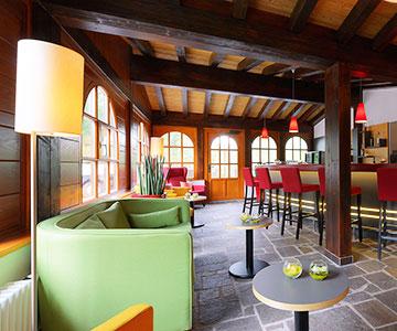 PROJEKT: Boutique-Hotel - Innenarchitektur/Gesamtprojektleitung Sanierung, Neukonzeption Hotelzimmer; Innenausbau, Schreinerarbeiten, Einrichtung und Textilien - Bilder anschauen