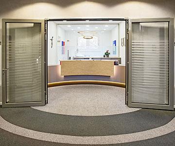 PROJEKT: Bildungshaus - Innenarchitektur und Gesamtprojektleitung Umgestaltung Empfang und Büros;Innenausbau, Schreinerarbeiten und Büroeinrichtung - Bilder anschauen